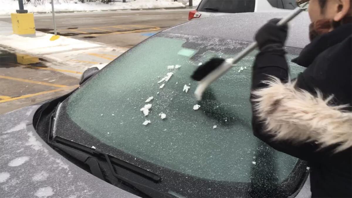 凍りついたフトントガラス シカゴの冬2019