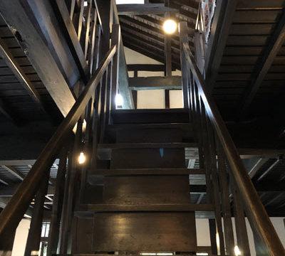 原茂ワイン階段/TAOブログ